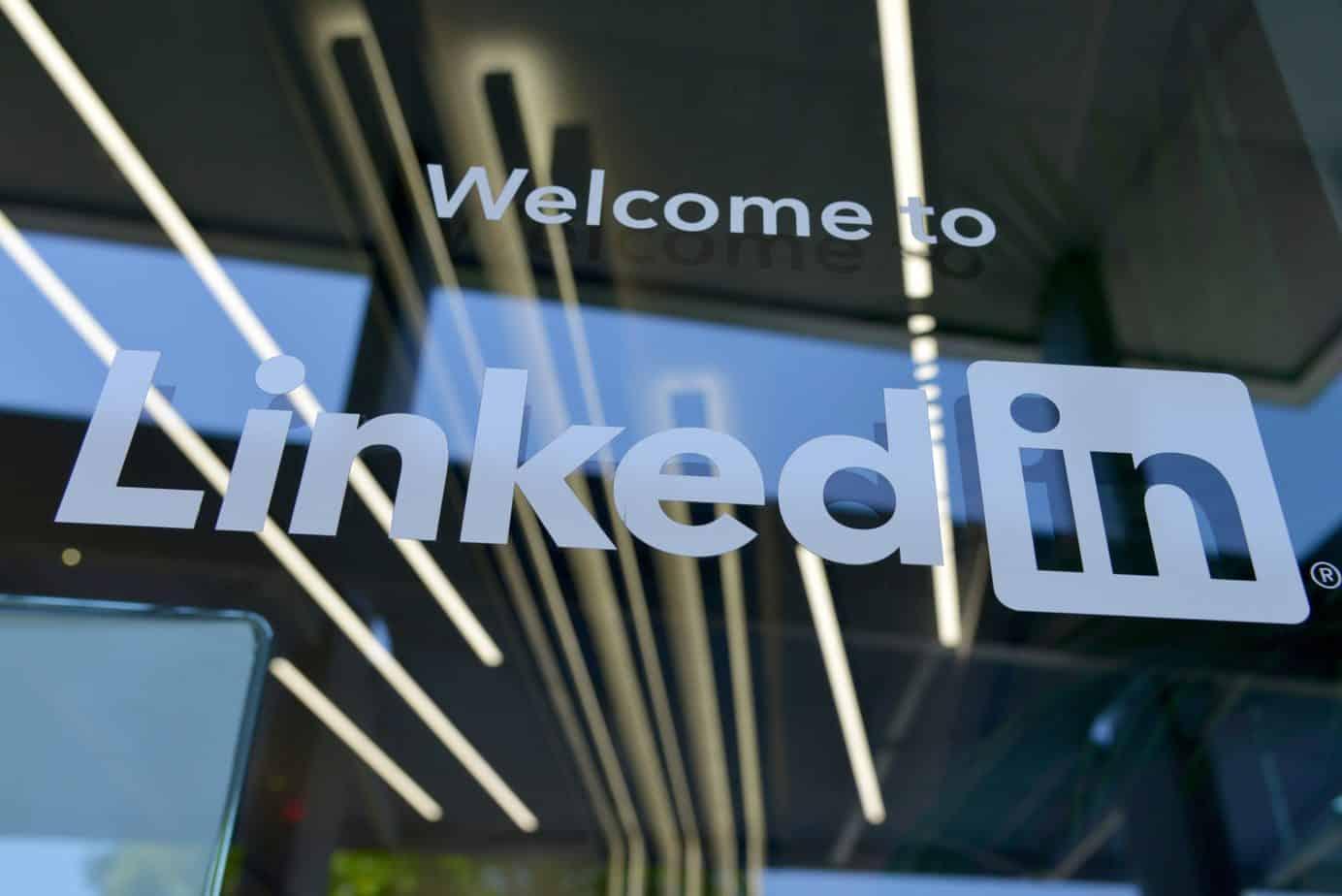 شركة LinkedIn تتخلى عن ما يقارب 1000 موظف !   موقع الشبكة